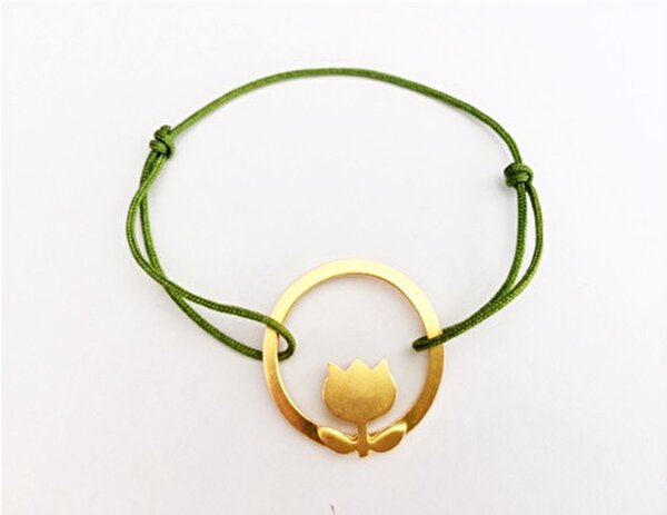 Picture of By Gulizar above Tulip Petals Bracelet